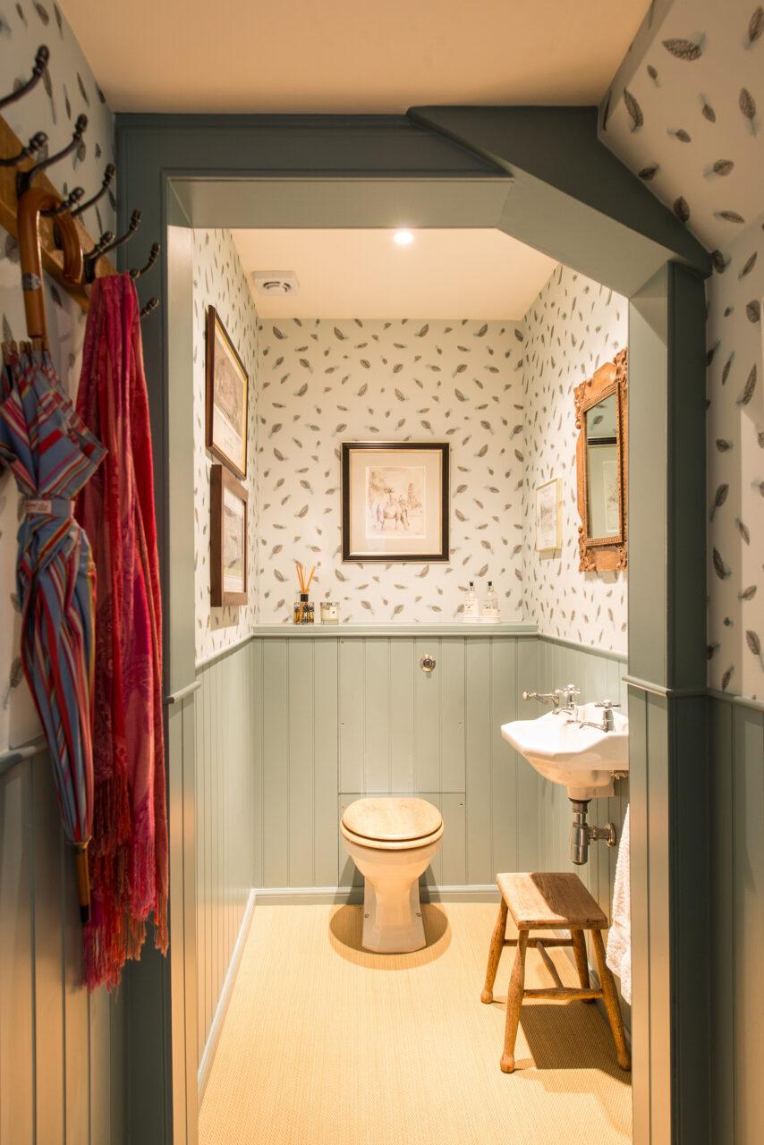 Clarendon Crescent bathroom
