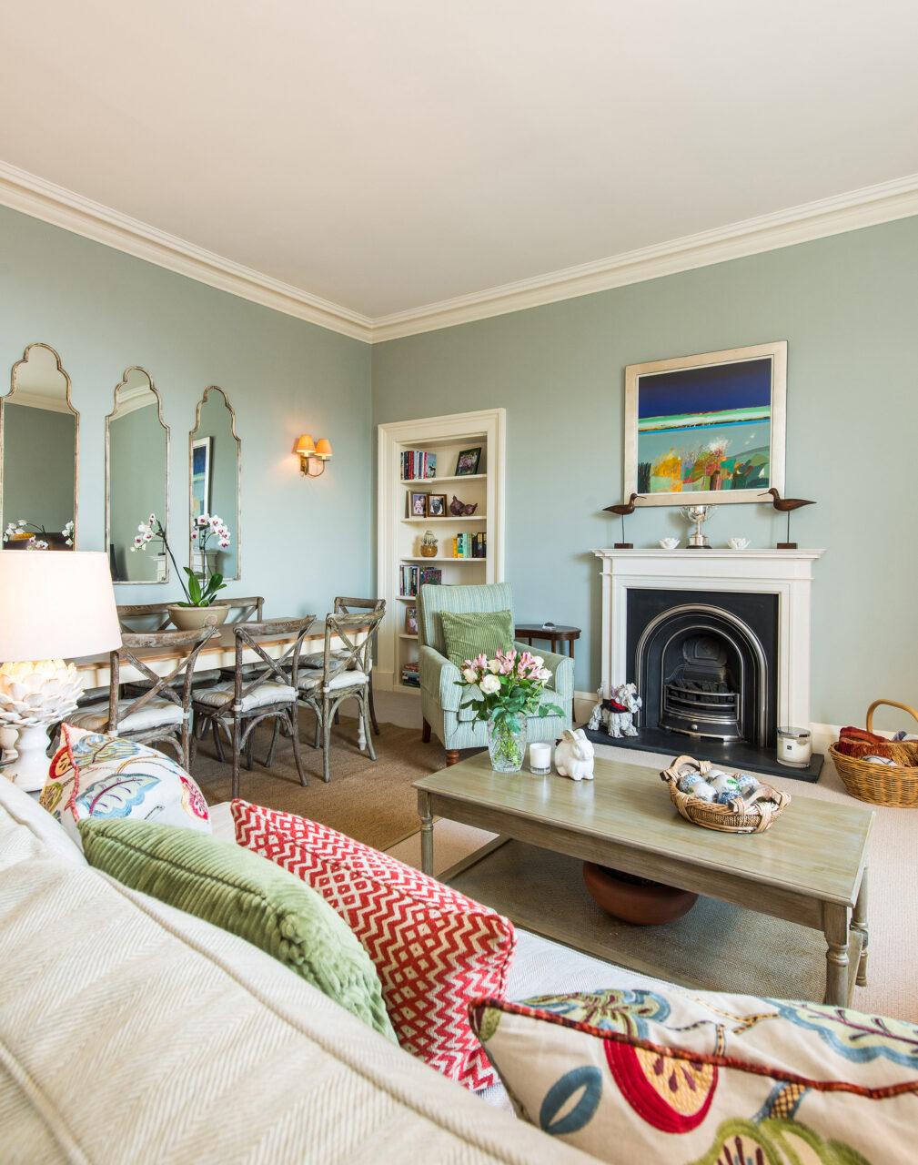 Clarendon Crescent living/dining room